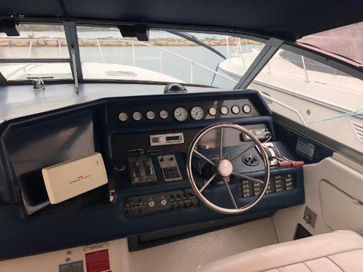 1990 Sea Ray boat for sale, model of the boat is 350 Sundancer & Image # 2 of 11
