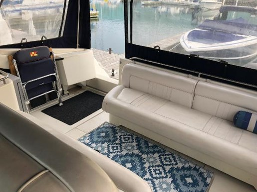 1990 Sea Ray boat for sale, model of the boat is 350 Sundancer & Image # 8 of 11