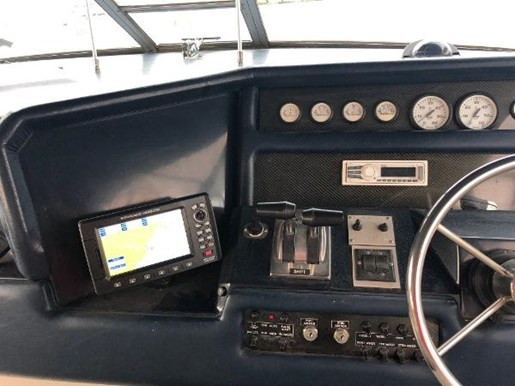 1990 Sea Ray boat for sale, model of the boat is 350 Sundancer & Image # 9 of 11