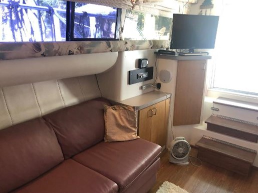 1995 Mainship boat for sale, model of the boat is 40 Sedan Bridge & Image # 9 of 27