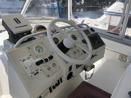 1995 Mainship boat for sale, model of the boat is 40 Sedan Bridge & Image # 10 of 27