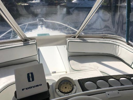 1995 Mainship boat for sale, model of the boat is 40 Sedan Bridge & Image # 11 of 27