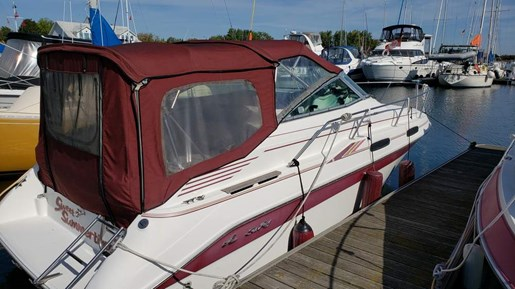 1994 Sea Ray boat for sale, model of the boat is 230 Sundancer & Image # 1 of 7