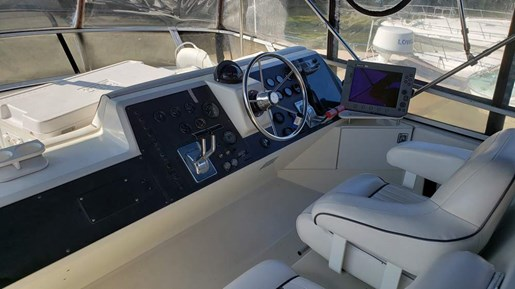 1994 Carver boat for sale, model of the boat is 370 Aft F/B & Image # 6 of 22