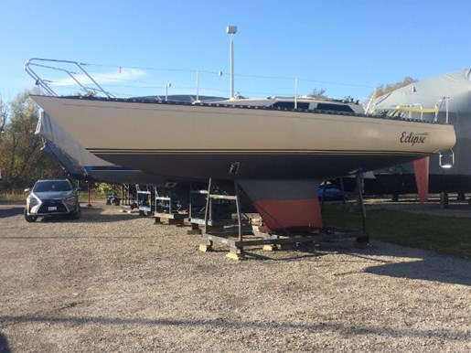 1989 Abbott boat for sale, model of the boat is 33 & Image # 13 of 15