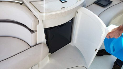 2002 Doral International boat for sale, model of the boat is 360 SE & Image # 9 of 15