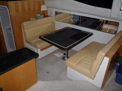 2001 Carver boat for sale, model of the boat is 404 Cockpit Motor Yacht & Image # 8 of 17