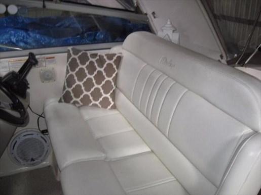 2006 Rinker boat for sale, model of the boat is 342 Fiesta Vee & Image # 2 of 13