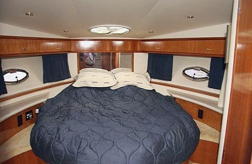 2002 Carver boat for sale, model of the boat is 396 Motor Yacht & Image # 2 of 26