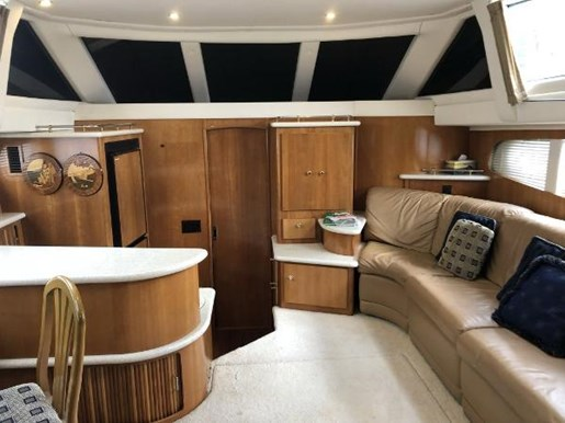 2002 Carver boat for sale, model of the boat is 396 Motor Yacht & Image # 3 of 26