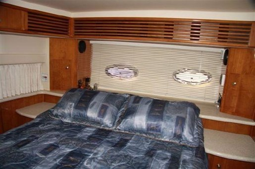 2002 Carver boat for sale, model of the boat is 396 Motor Yacht & Image # 7 of 26