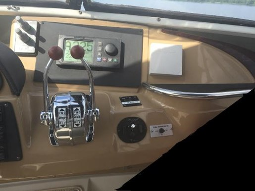 2002 Carver boat for sale, model of the boat is 396 Motor Yacht & Image # 12 of 26