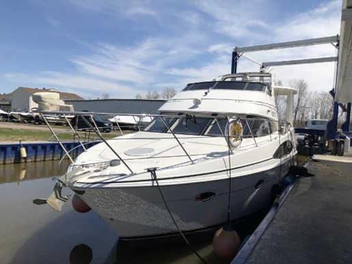 2002 Carver boat for sale, model of the boat is 396 Motor Yacht & Image # 21 of 26