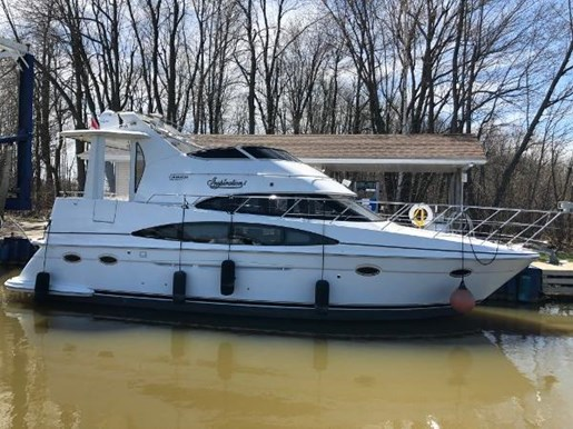 2002 Carver boat for sale, model of the boat is 396 Motor Yacht & Image # 24 of 26