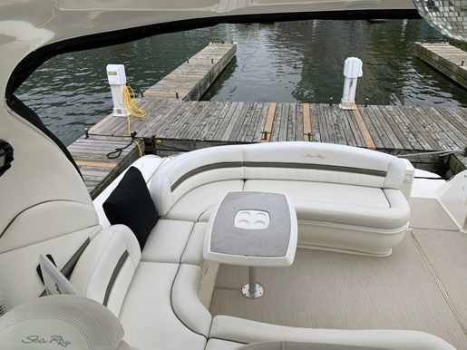 2006 Sea Ray boat for sale, model of the boat is 44 Sundancer & Image # 9 of 13