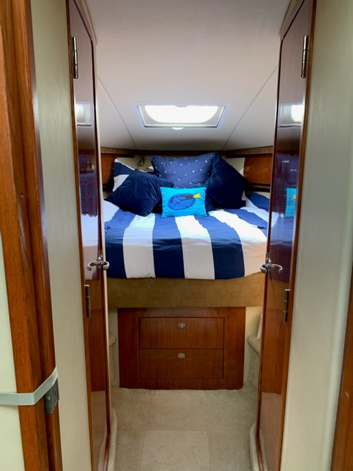 2006 Sea Ray boat for sale, model of the boat is 44 Sundancer & Image # 12 of 13
