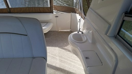 1999 Sea Ray boat for sale, model of the boat is 310 Sundancer & Image # 9 of 15