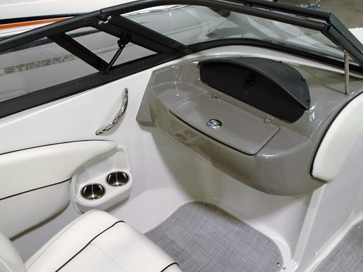 2020 Stingray boat for sale, model of the boat is 198 LX – For Sale – STR116 & Image # 8 of 10
