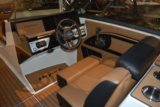2020 Bryant boat for sale, model of the boat is C7 SURF & Image # 3 of 6
