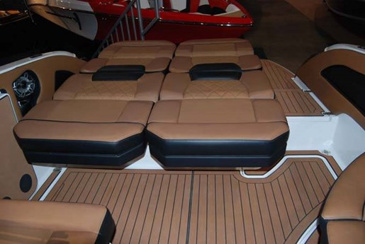 2020 Bryant boat for sale, model of the boat is C7 SURF & Image # 5 of 6