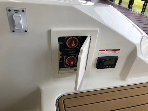 2020 Sea Ray boat for sale, model of the boat is SLX 230 & Image # 6 of 6