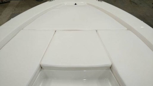 2018 Robalo boat for sale, model of the boat is 226 CAYMAN & Image # 3 of 7