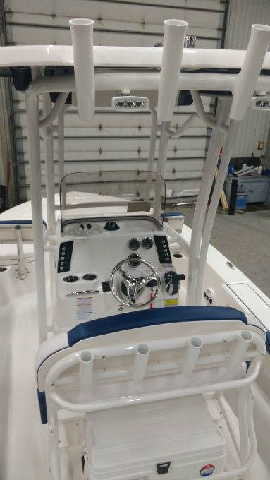 2018 Robalo boat for sale, model of the boat is 226 CAYMAN & Image # 6 of 7