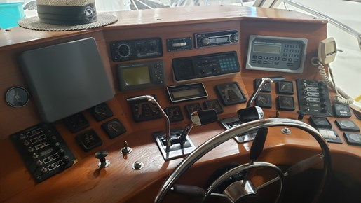 1970 Chris Craft 350 Commander Sport Fish | 11 of 22