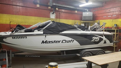 2011 Mastercraft boat for sale, model of the boat is X-25 & Image # 3 of 10