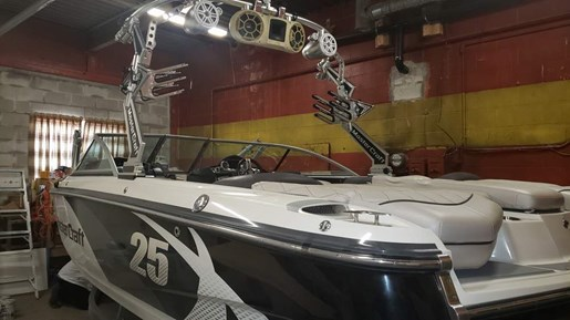 2011 Mastercraft boat for sale, model of the boat is X-25 & Image # 2 of 10