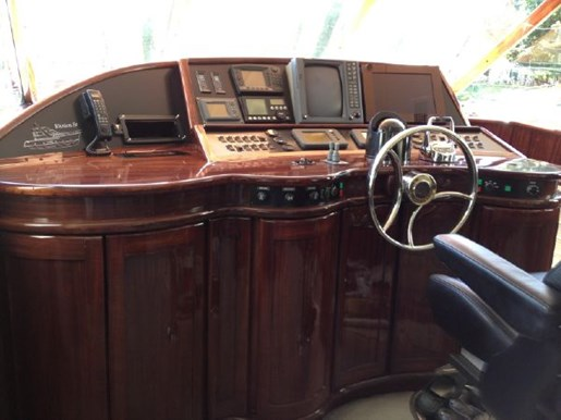 1973 Chris Craft boat for sale, model of the boat is 60 Sedan Fly & Image # 3 of 8