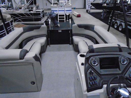 2020 Sylvan boat for sale, model of the boat is L5 DLZ PR25 Tritoon & Image # 3 of 9