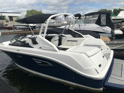 2018 Sea Ray boat for sale, model of the boat is SLX-W 230 & Image # 1 of 7