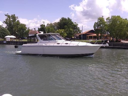 1997 Tiara Yachts boat for sale, model of the boat is 4000 Express Hardtop & Image # 22 of 22
