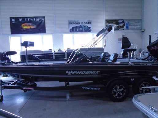 2020 Phoenix boat for sale, model of the boat is 721 Pro XP & Image # 1 of 6