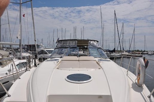 2002 Regal boat for sale, model of the boat is 4260 COMMODORE & Image # 2 of 23