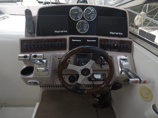 2002 Regal boat for sale, model of the boat is 4260 COMMODORE & Image # 15 of 23