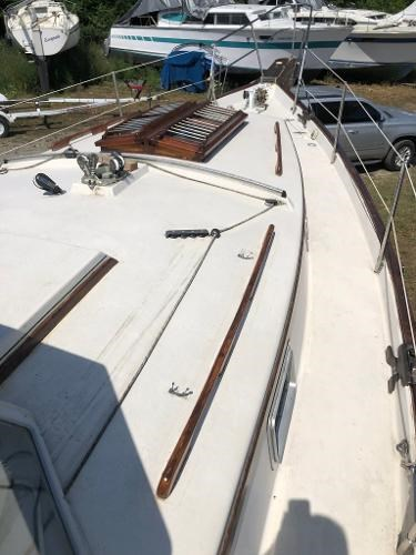 1991 Gozzard boat for sale, model of the boat is 31 & Image # 5 of 19