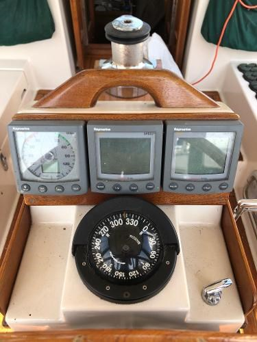 1991 Gozzard boat for sale, model of the boat is 31 & Image # 9 of 19