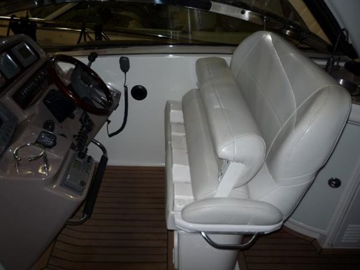 2004 Regal boat for sale, model of the boat is 4260 Commodore-HardTop & Image # 8 of 25