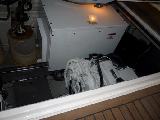 2004 Regal boat for sale, model of the boat is 4260 Commodore-HardTop & Image # 21 of 25