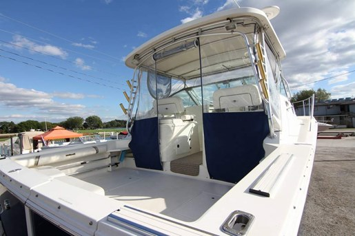 2000 Wellcraft 330 Coastal | 2 of 6