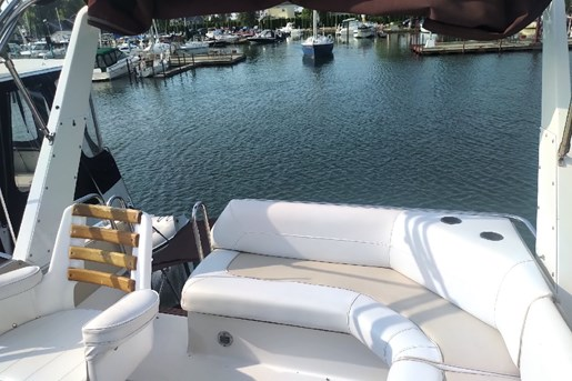 1986 Cruisers Yachts 3380 Esprit FB | 2 of 5