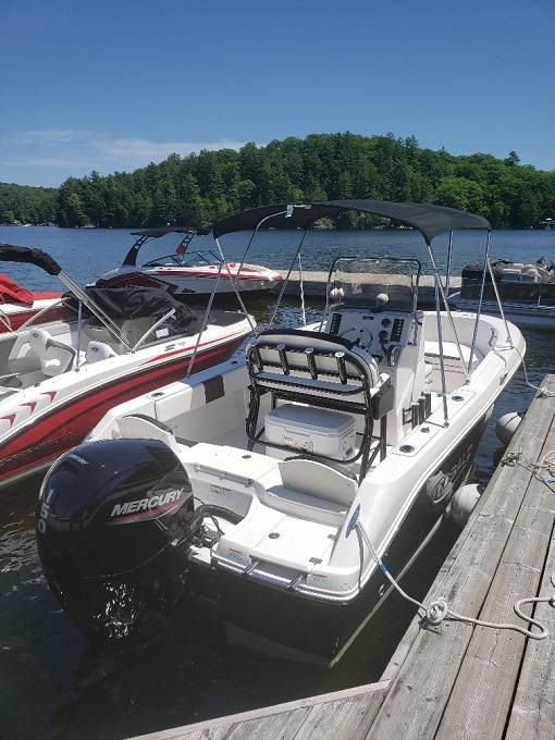 2020 Robalo boat for sale, model of the boat is R180 & Image # 2 of 5