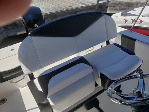 2020 Robalo boat for sale, model of the boat is R180 & Image # 5 of 5