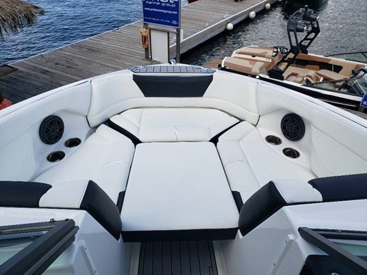 2021 Bryant boat for sale, model of the boat is C1 SURF & Image # 4 of 7