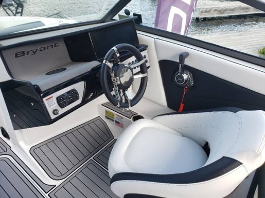 2021 Bryant boat for sale, model of the boat is C1 SURF & Image # 5 of 7