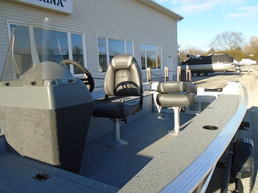 2021 Lund boat for sale, model of the boat is 1600 Fury SS & Image # 5 of 5