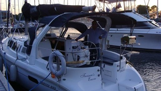 For Sale: 1998 Hunter 34 34ft<br/>North South Nautical Group Inc.