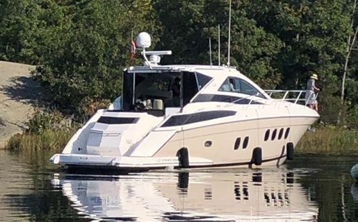 2008 Regal boat for sale, model of the boat is 52 Sport Coupe & Image # 2 of 6